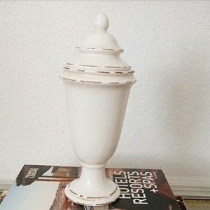 Gamjali StylHOME Accents - Decorative Cream Jar with Lid